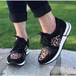 Size 7 Soda Leopard Sneaker